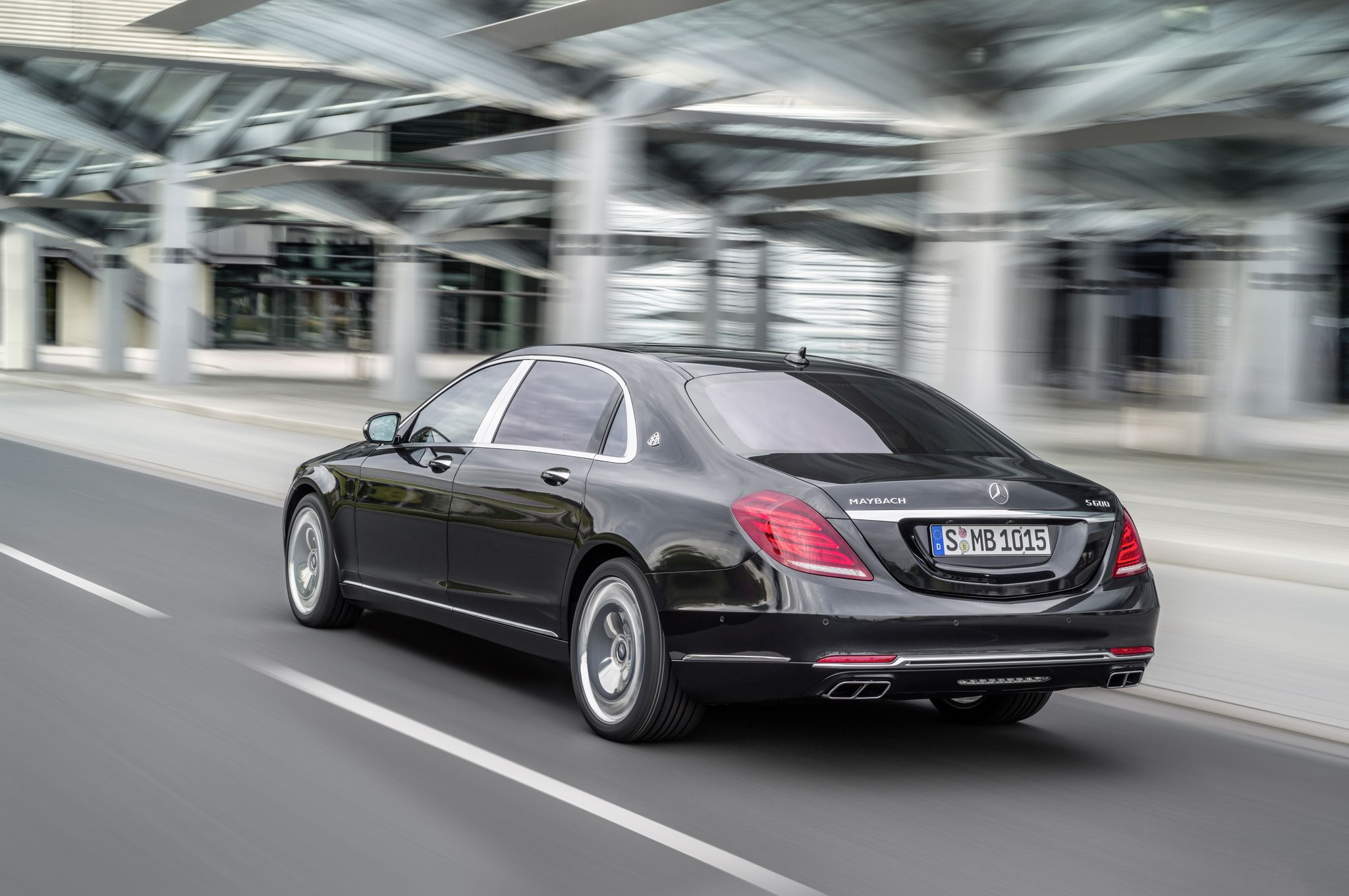 Mercedes and Maybach have finally revealed their all new best in class limousine S600 car ahead of its public debut at the GenevaMotorShow 2015