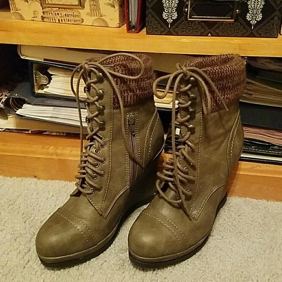 High Sweater Top Wedge Boots Super Cute Lace Up Boots Knit Gray