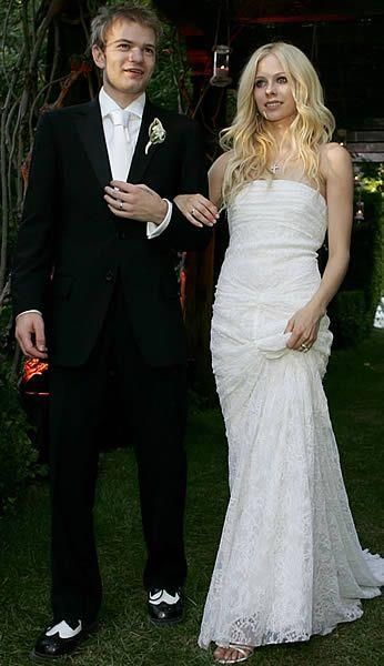 Аврил лавин с свадебном платье экс солисты дискотеки аварии