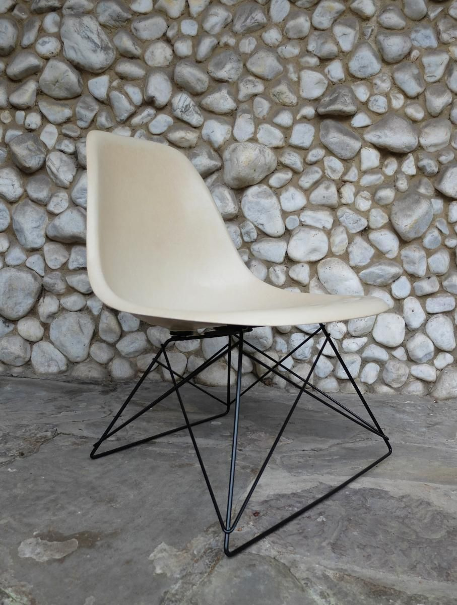 charles eames stuhl fabulous eames side chair luxury vitra eames dsr cm side chair z with. Black Bedroom Furniture Sets. Home Design Ideas