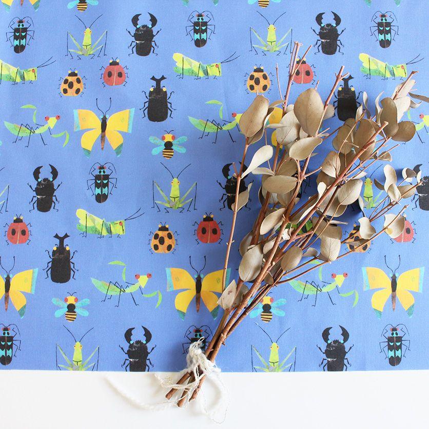 nunocoto fabric happy bugs ホワイト nunocoto fabric テキスタイル デザイン カブトムシ クワガタ 布 生地