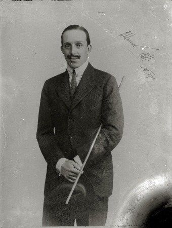 Su Majestad el Rey Alfonso XIII