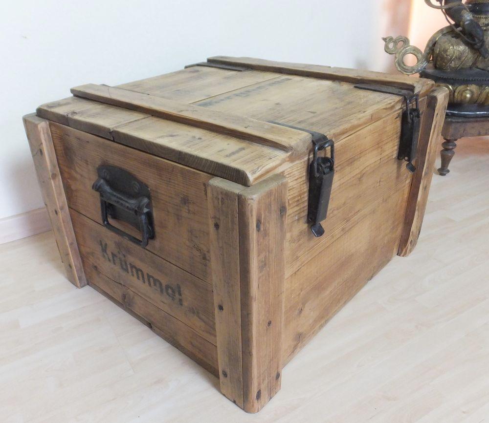 Wohnzimmertisch  alte Munitionskiste WK II  Furniture design  Wooden chest Wood trunk und