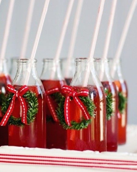 Nice christmas drinks with wreath decorations christmas for Bottle decoration ideas kids