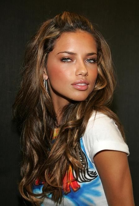 Perfect Hair Colors For Tan Skin Hair Color For Tan Skin Adriana Lima Hair Cool Hair Color
