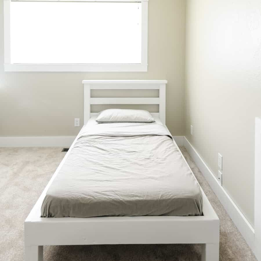How To Build A Platform Bed With Legs For 50 In 2020 Build A