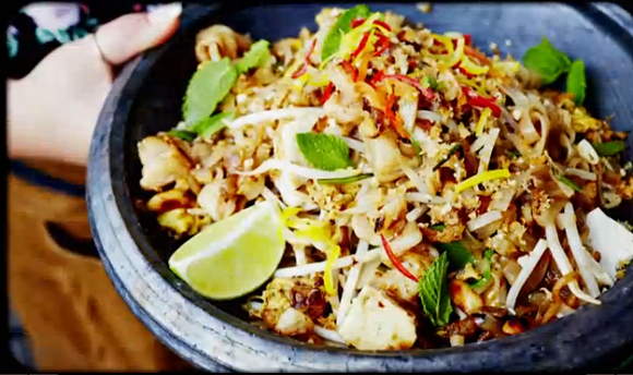 Hugh Bonneville Lord Grantham Downton Abbey Pad Thai Recipe On