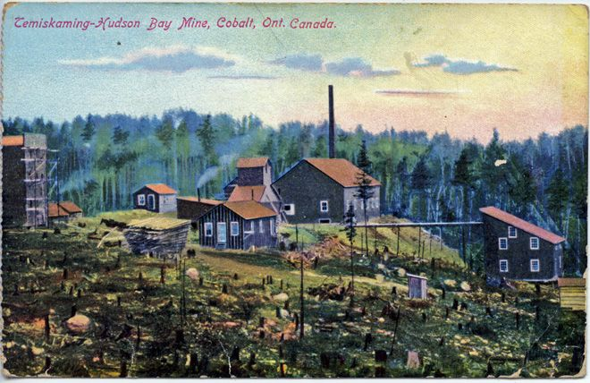 A colour tinted postcard depicting the Temiskaming & Hudson Bay Mine from 1905.