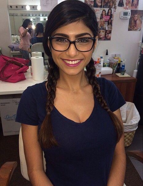 Mia khalifa glasses