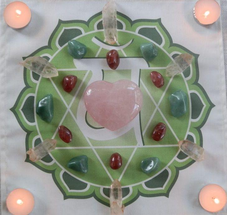 Heart Chakra Grid. Crystals used: Pink Himalayan Quartz Points, Green Aventurine Tumbles, Rhodochrosite Tumbles & Rose Quartz Heart.