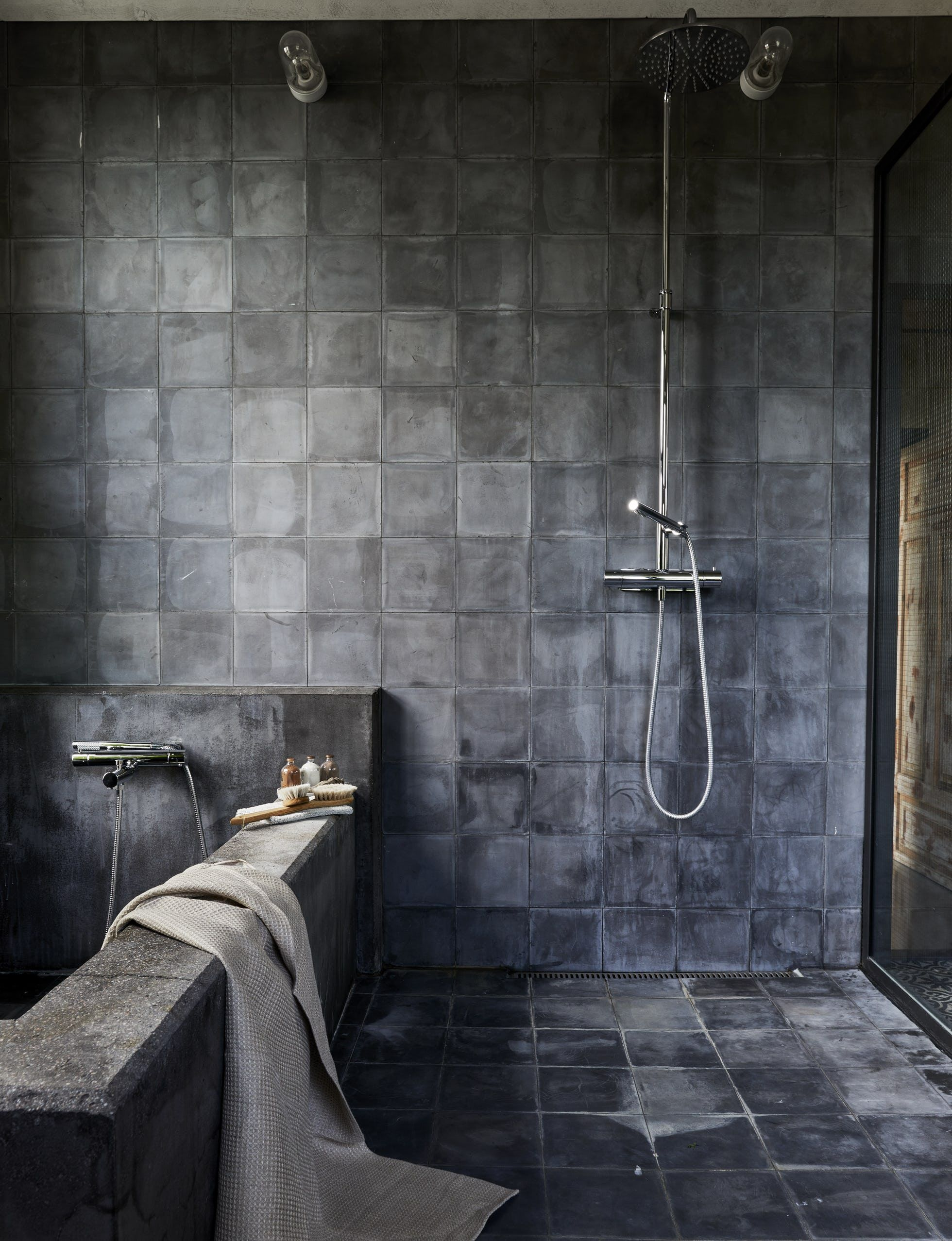 31 Bathroom Tile Ideas Make It Fresh And Not Boring Black Tile