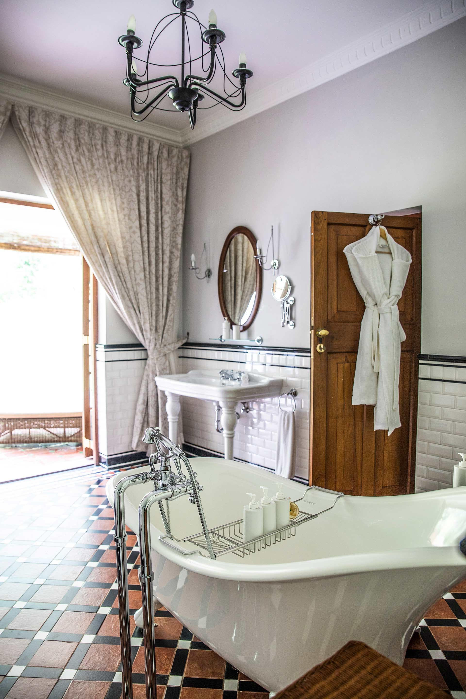 Ceylon Tea Trails Sri Lanka Honestly Wtf Bathroom De