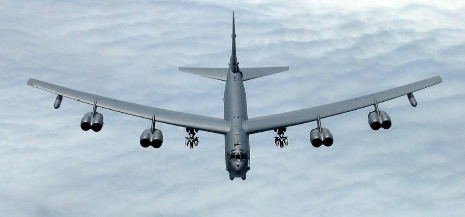 Massive B-52 to Land in Oshkosh   EAA AirVenture Oshkosh