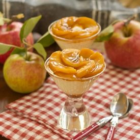 Easy vanilla pudding topped with caramelized apples