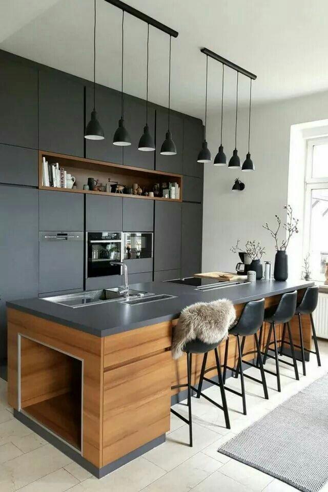 Küche in U Form in Schwarz unf mitteldunklem Holz ähnliche Projekte - küche in u form