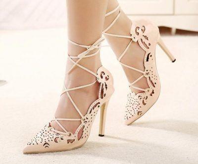 zapatos de novia color beige con correas | zapatos para bodas