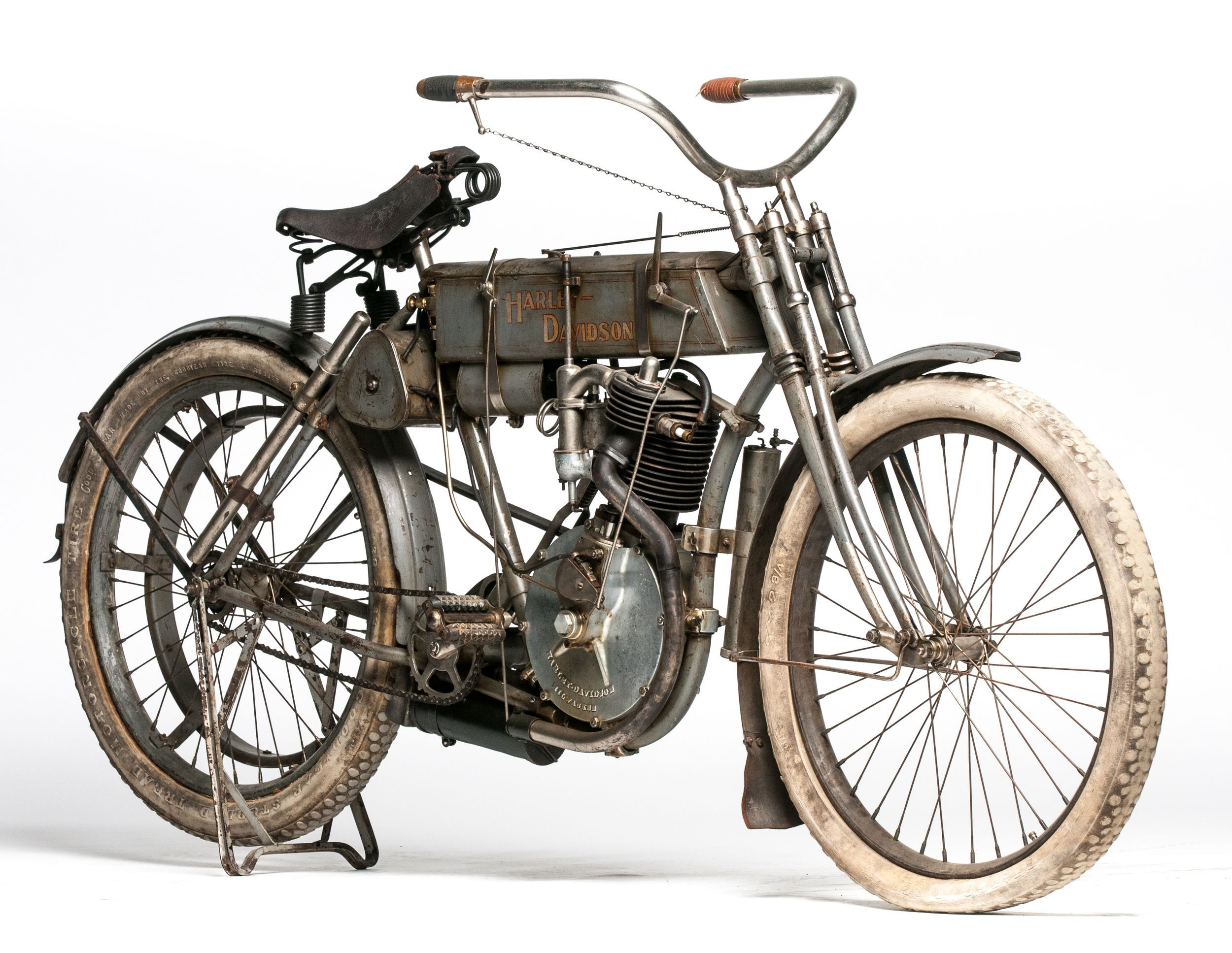 1907 Harley Davidson Strap Tank Shatters Marque Record At Harley