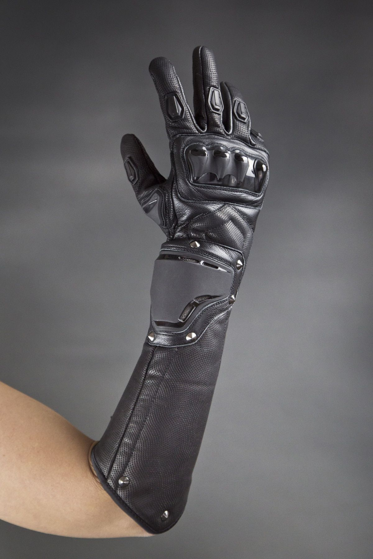 Ridgeback Armored Gauntlets Costume armour, Gloves
