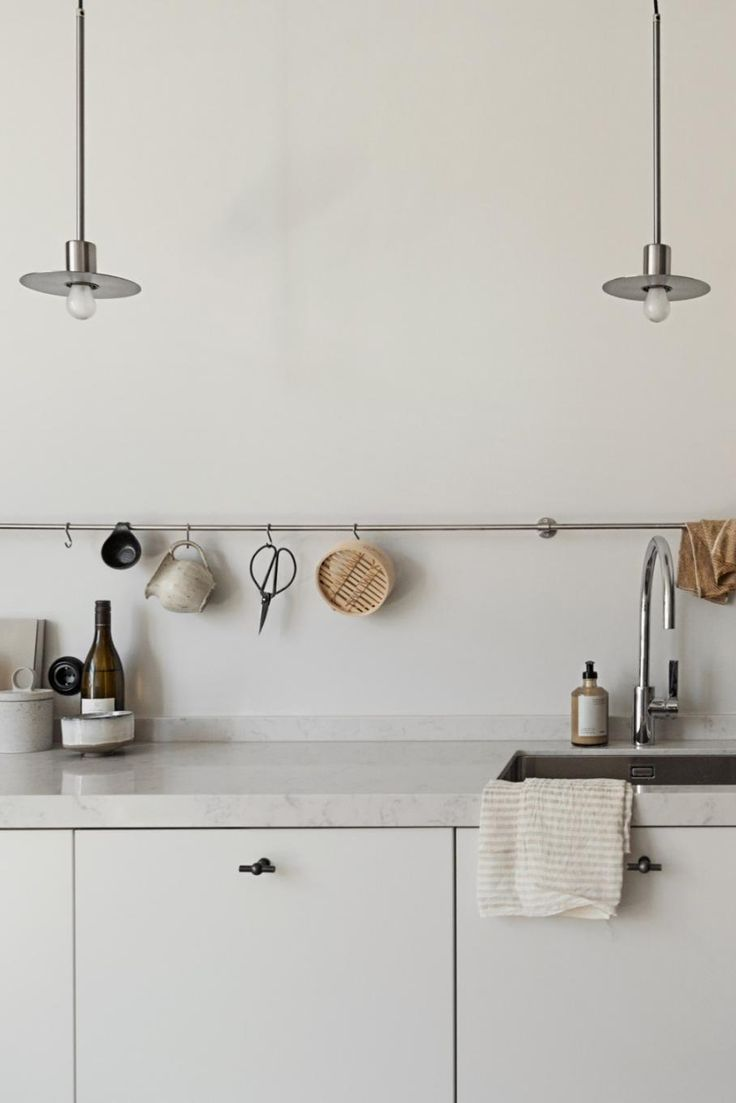 Küchendesign 2018 an apartment styled in neutral hues in   kitchen  pinterest