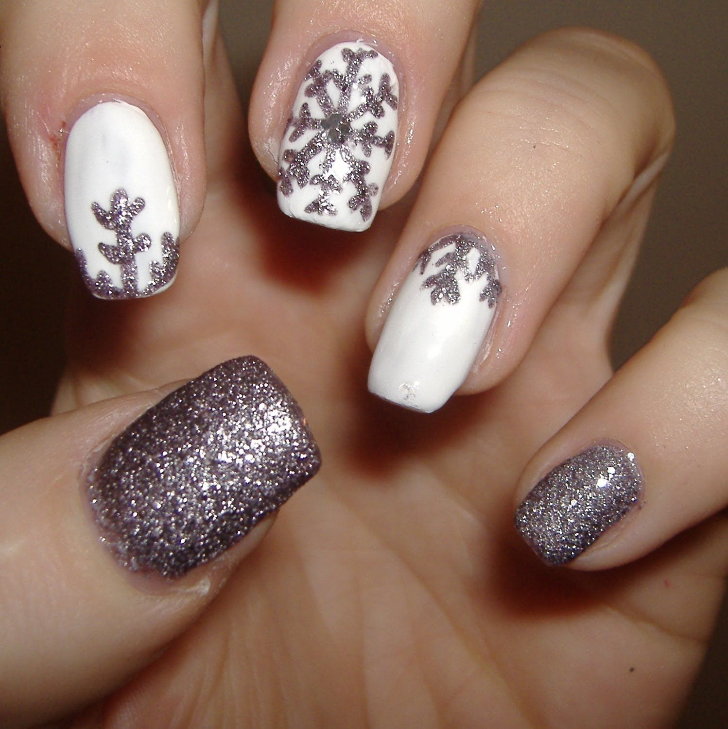 These snowflake winter nails could probably be DIY! #WinterNails ...
