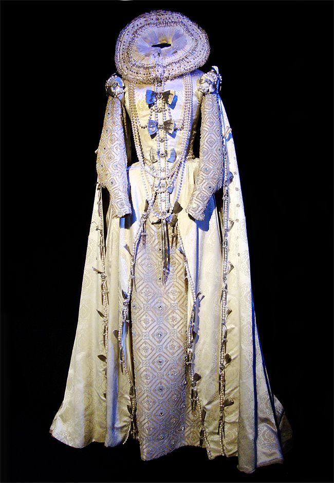 married to england costume for cate blanchett in