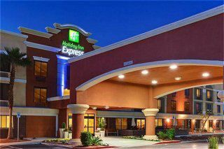 Holiday Inn Express Henderson Nv With Images Holiday Inn
