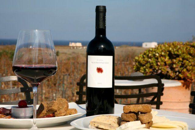 Oia Sigalas Winery Santorini: Wine tasting, vineyard tour, and ...