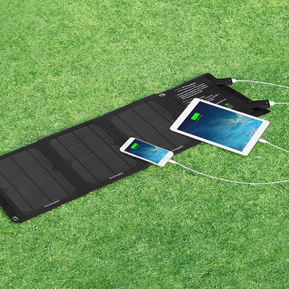 Amazon Com Ravpower 15w Solar Charger With Dual Usb Port Foldable Portable Ismart Technology Cell Solar Charger Solar Panel Battery Portable Solar Panels