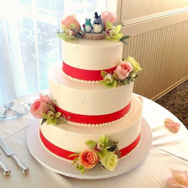red velvet wedding cake by Mazzetti's