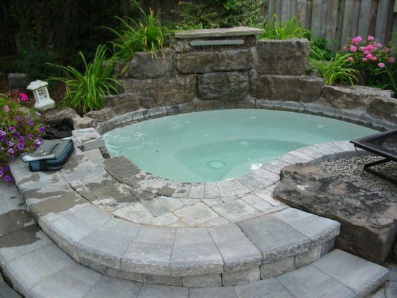 Whirlpool im Garten - gönnen Sie sich diese besonde Art Entspannung