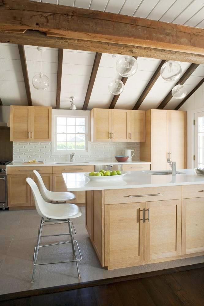 SEE THIS HOUSE: A HUGE HAMPTONS HIDEAWAY | Kitchen ... on Natural Maple Cabinets With Quartz Countertops  id=45661