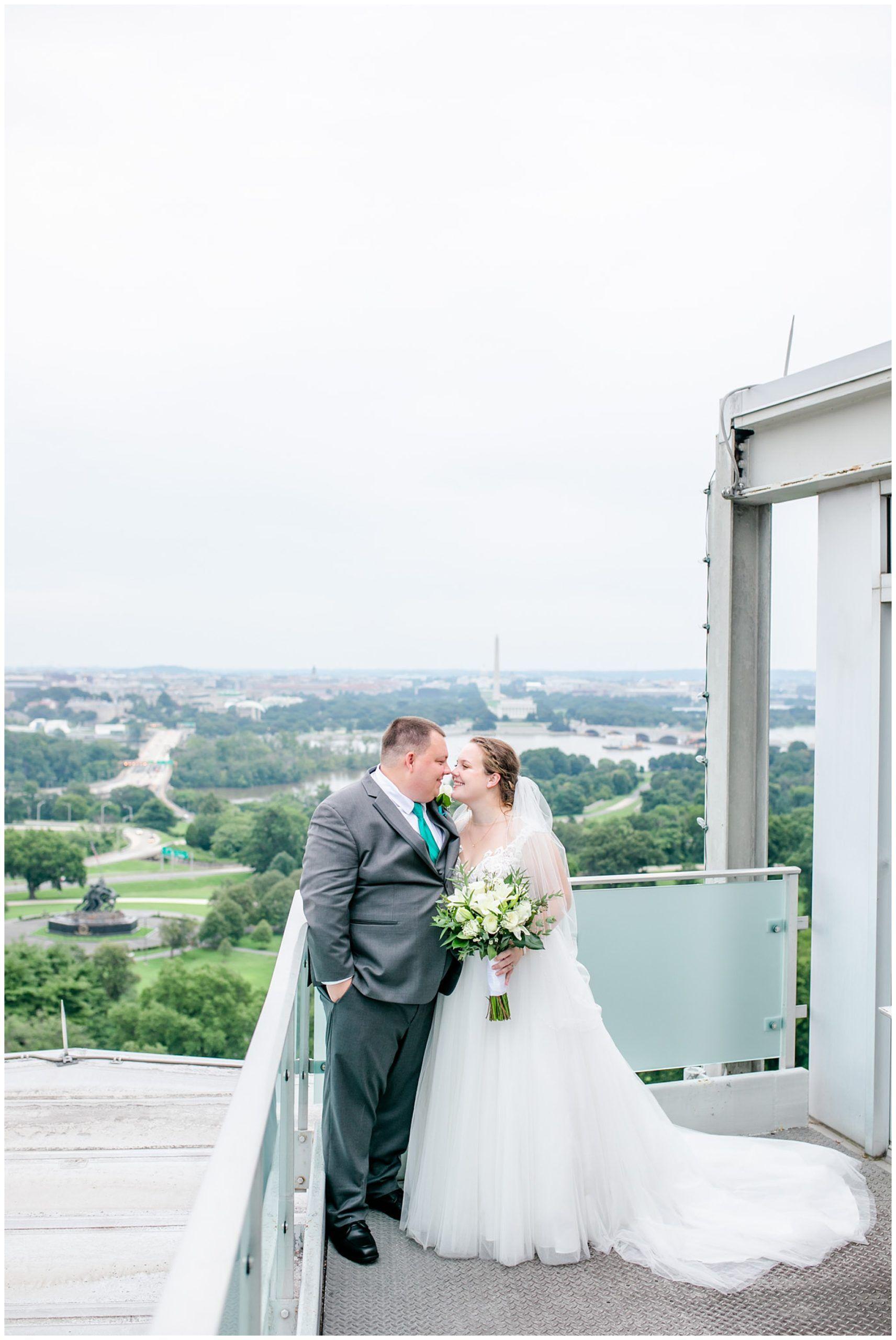 Top Of The Town Wedding In Arlington Virginia Rachel E H Photography In 2020 Dc Wedding Photography Virginia Beach Wedding Beach Wedding Photographer