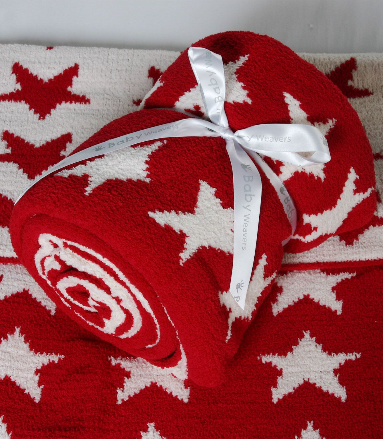 Baby Weavers Chenille Knitted Cot Bed Blanket Red Stars