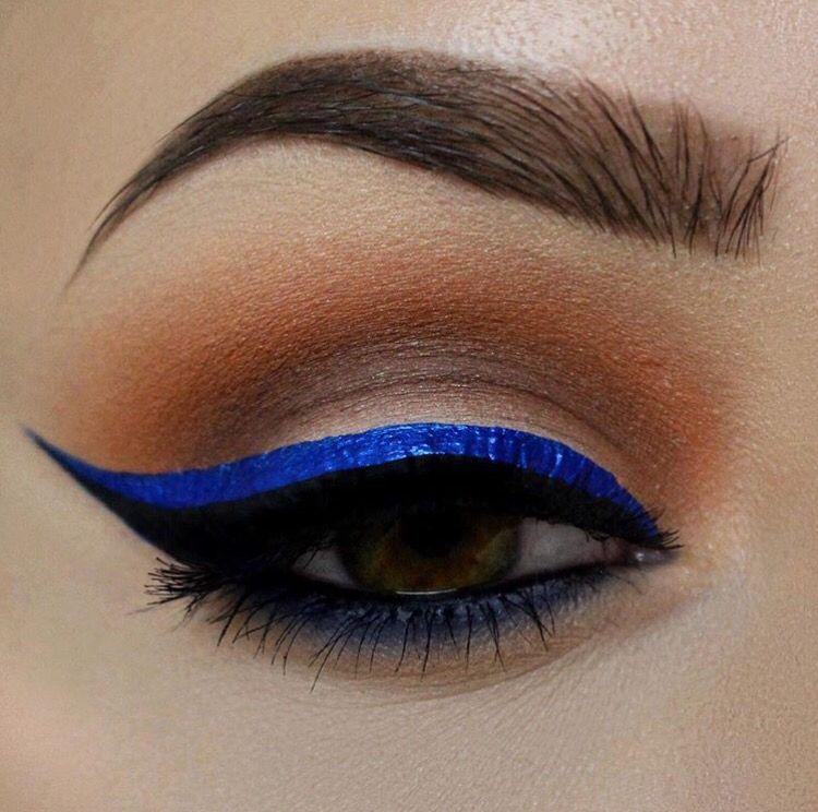 Electric blue liner // Patrizia Conde