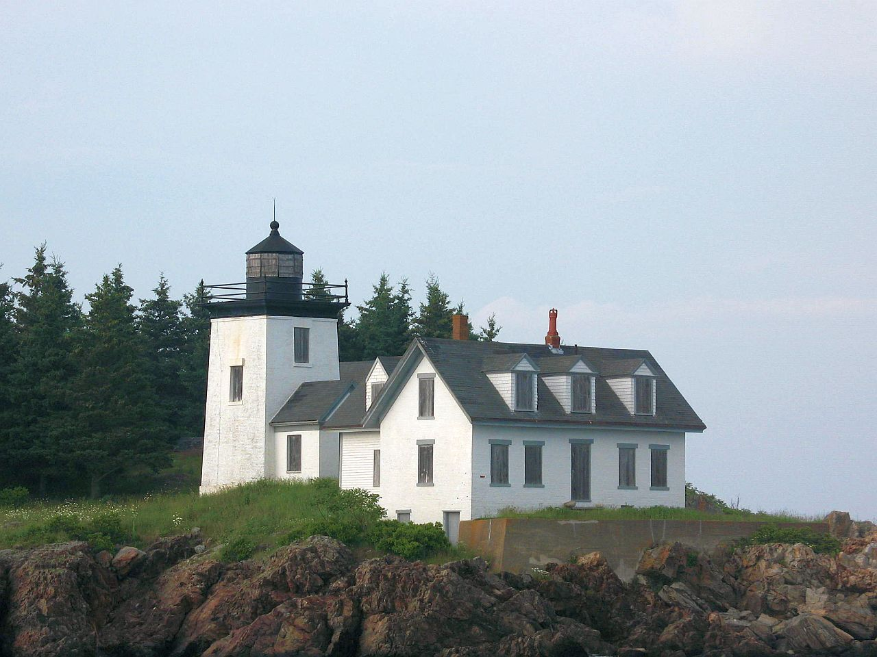 Indian Island Lighthouse Private Home Owned By New York Family Rockland Maine Saw This One In 2012 Lighthouse For Sale Lighthouse Lighthouse Inspiration