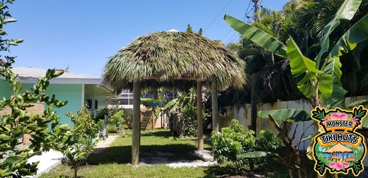 Look At This 8x8 Tiki Hut Our Crew Built Today In Naples What A Monster Tiki Huts Tiki Hut Backyard Camping Hut