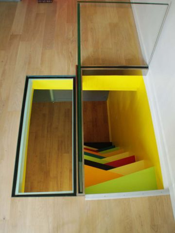 un escalier pas japonais gaye un duplex parisien. Black Bedroom Furniture Sets. Home Design Ideas