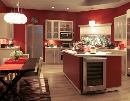 what you can learn about lighting design from modern family,Modern Family Kitchen,Kitchen ideas