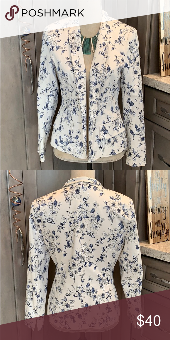 Vintage style fitted jacket