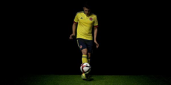 RT @adidasCO: Daríamos la vuelta al mundo por verte ¡Vamos mi @FCFSeleccionCol hoy se #MarcaLaDiferencia! http://t.co/wwceaF4E0N