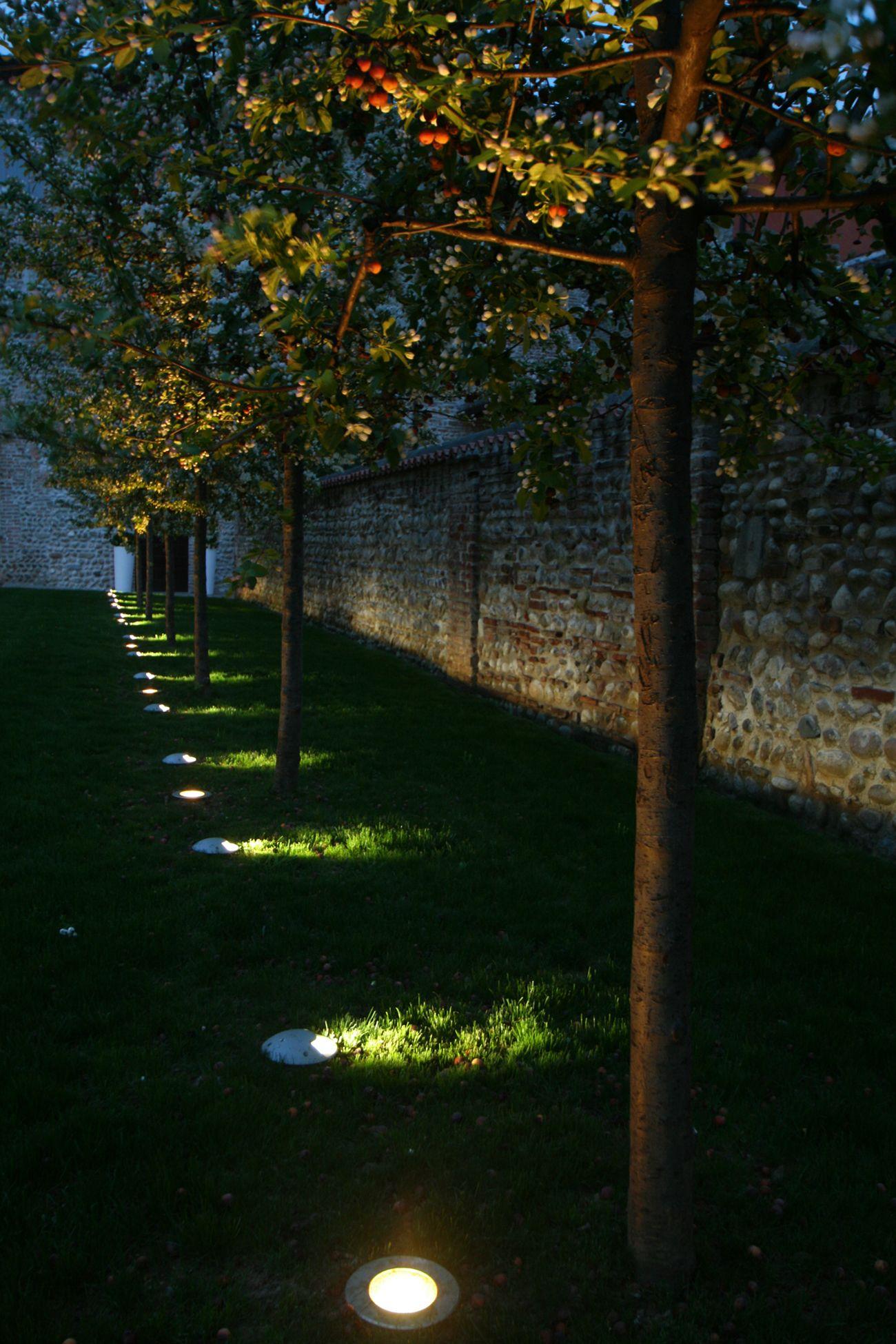 Eclairage Exterieur Encastre De Sol Pathe De Concord By Feilo Sylvania Eclairage Led Architecture E Eclairage Exterieur Exterieur Eclairage Exterieur Led