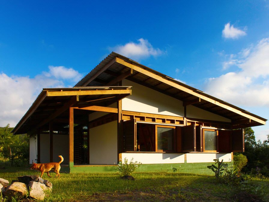 Dise o casa de campo sustentable estructura de madera y - Casa materiales de construccion ...