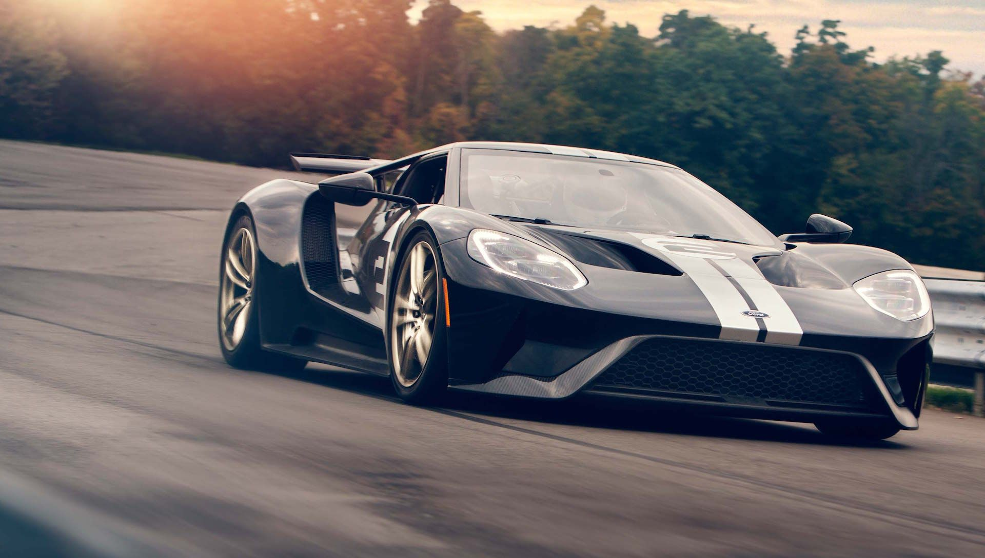2017 Ford Gt Tops Out At 216 Mph Fastest Production Ford Ever Autos Deportivos Carros Y Motos Autos
