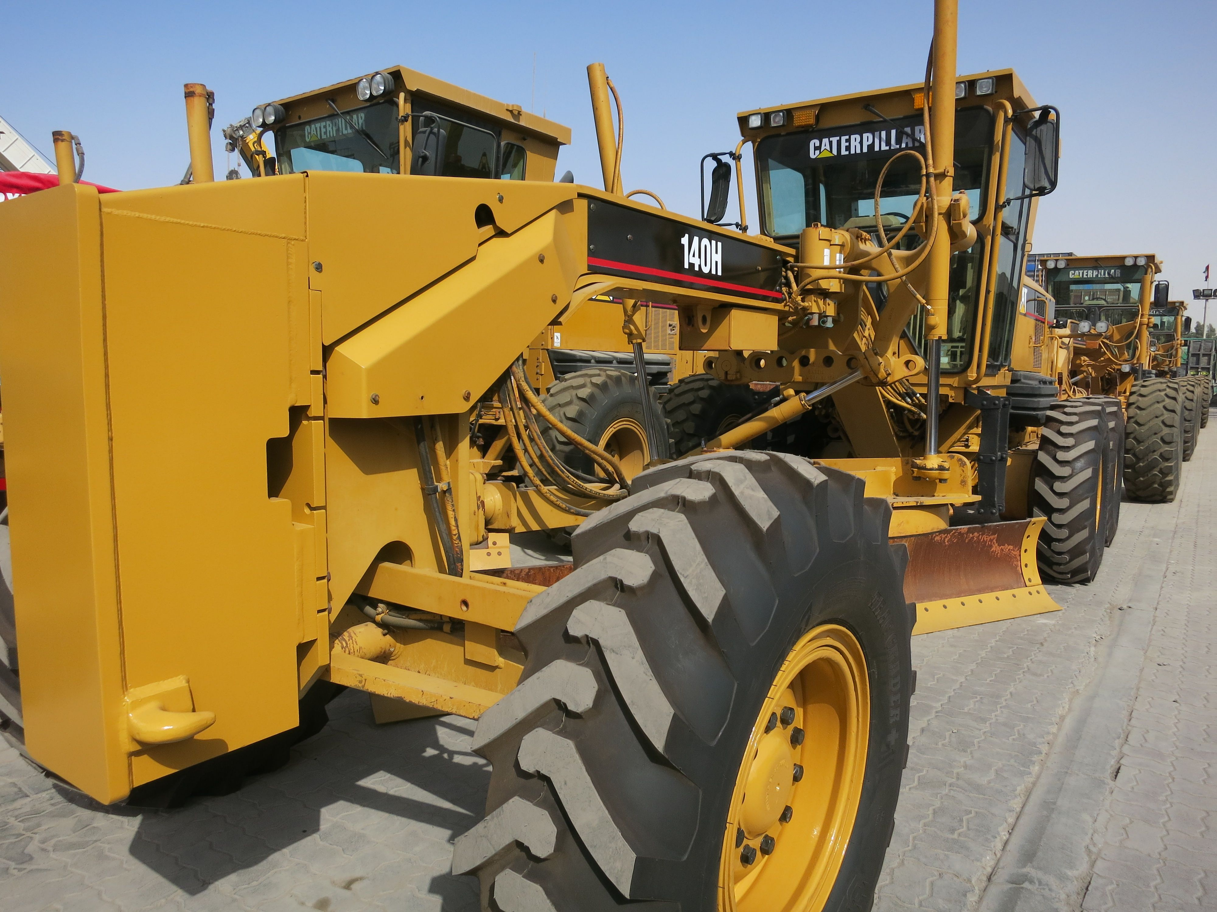 Looking for renowned brands' quality Used Motor Graders