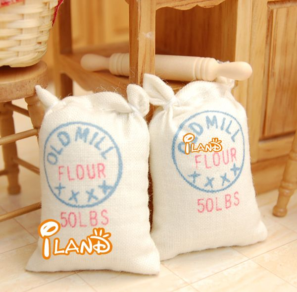 1//12 Dolls House Miniature Two Bags Flour Sack /& Rolling Pin Kitchen Accessory