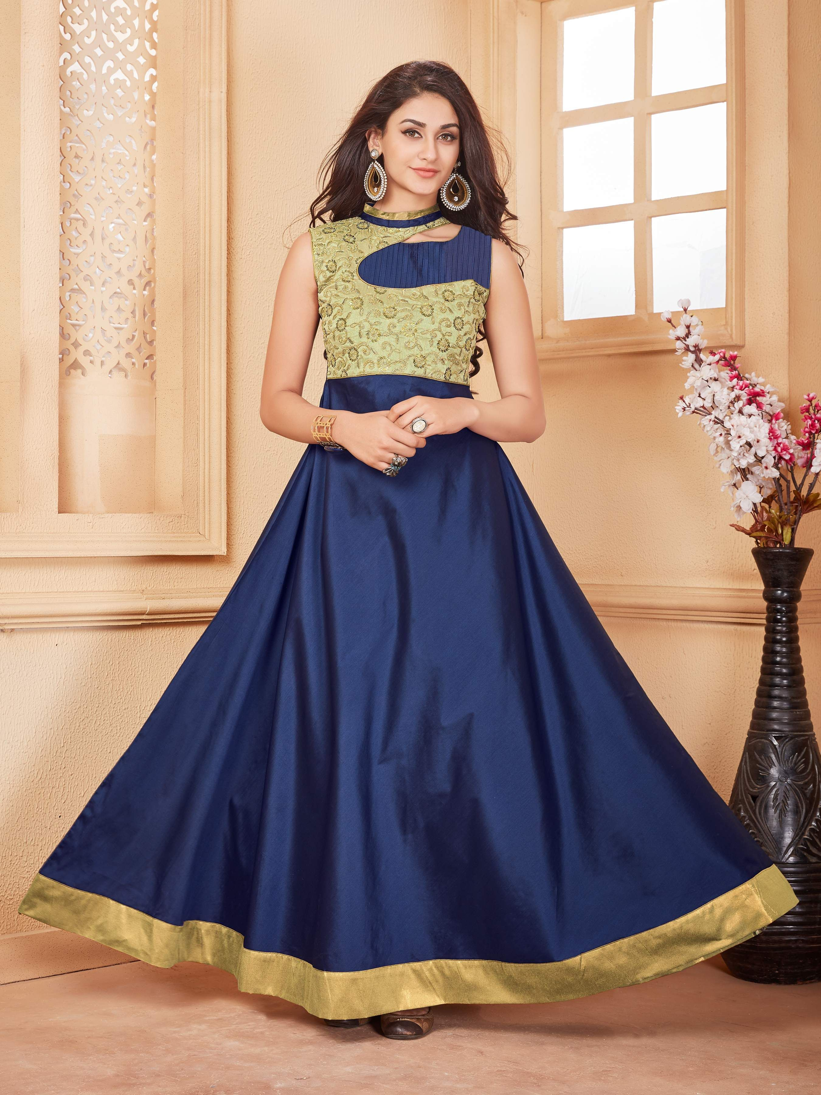 b9312d790ed Buy latest designs of party wear gowns online at best prices. Check out the  variety of Partywear Gowns at Mirraw.com. ✯ Free Shipping ✯ Fastest  Delivery ...