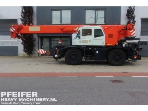 Used telescopic crane available at Pfeifer Heavy Machinery. Item Number PHM-Id 06910, Manufacturer TADANO, Model GR300EX, Year of construction 2009, Hours 2066, Loading (lifting) capacity (kg) 30000 Boom length maximum (m) 31, Fuel Diesel.