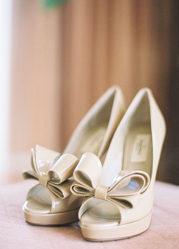 Cream Color Valentino Bow Pumps For An Elegant Bride