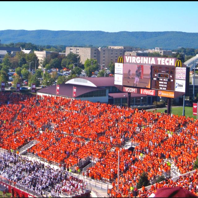 North End Zone Lane Stadium Look At That Student Section Virginia Tech Football Virginia Tech Hokies Hokies
