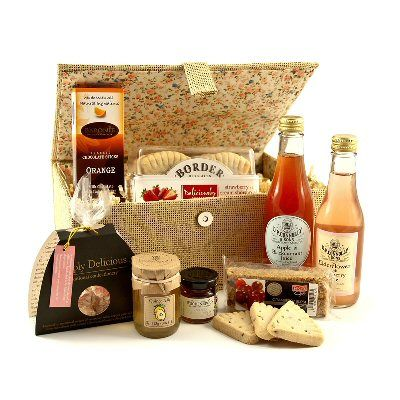 85a4304aa924 www.hastings-crystal.co.uk    Food   Drink Gift Ideas    Luxury Food  Hampers    Food Hampers    Summer Berries Gift Box
